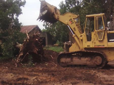 Clearance of bushes on Kikaaya Road  – Wakiso District